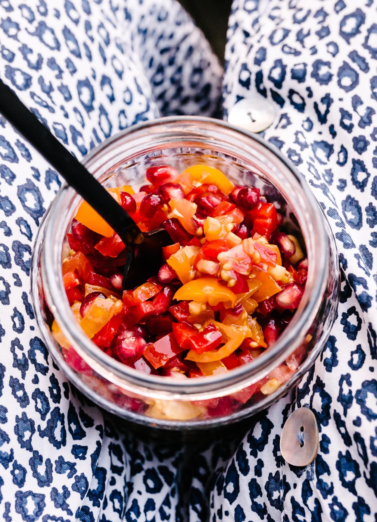 Tomaten-Paprika-Granatapfelsalat