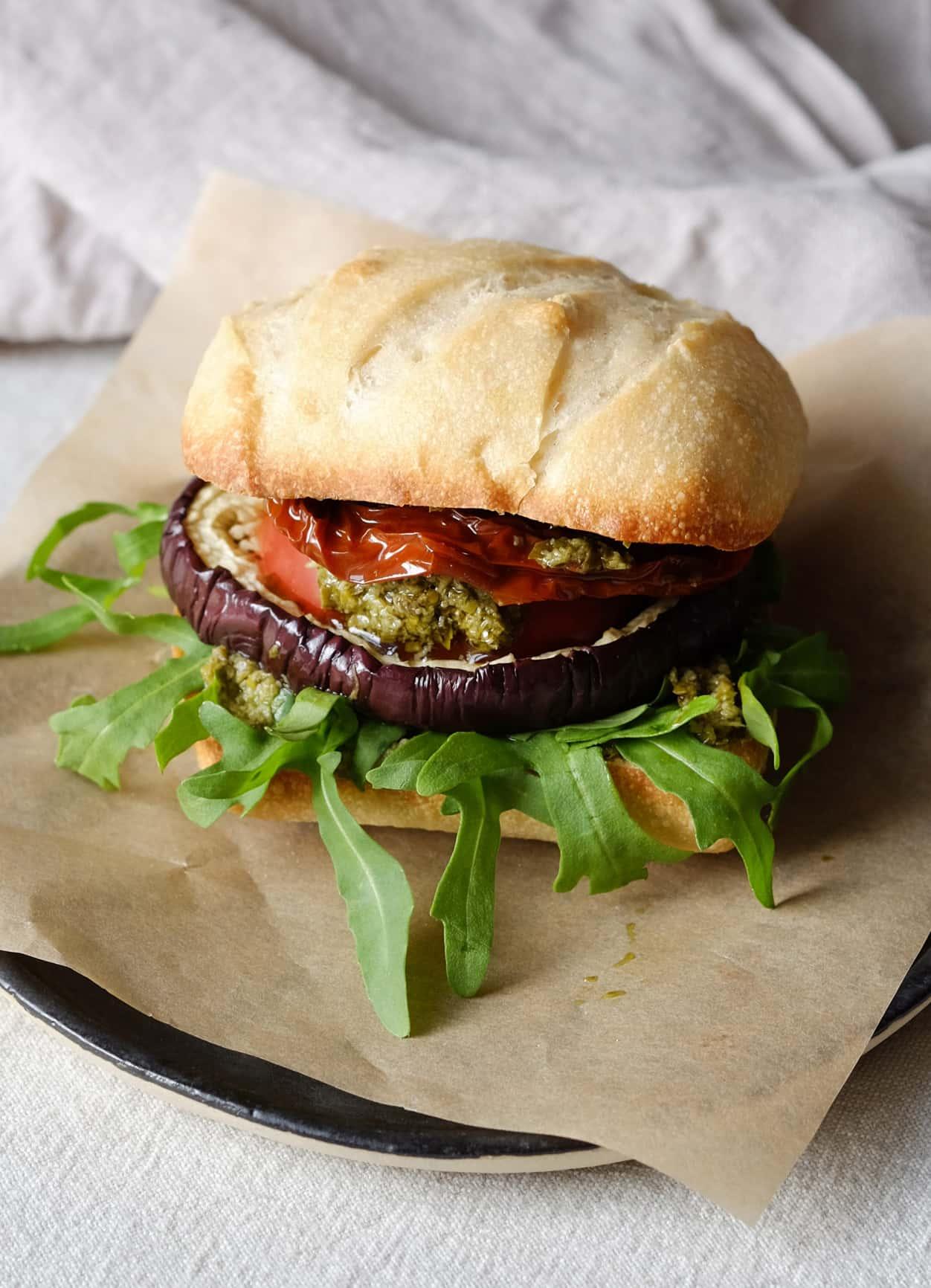Veganer Pesto Burger