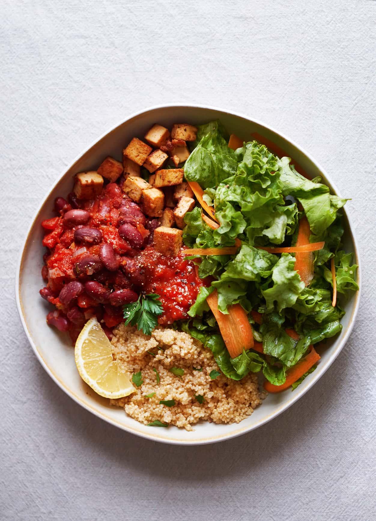Vegane Burrito Bowl mit Quinoa